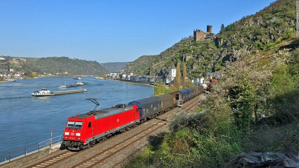 150114122722-germany-rail-rhine-valley-super-169