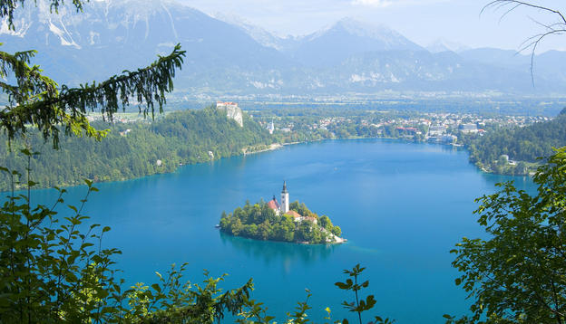 bled_island_in_lake_bled_slovenia