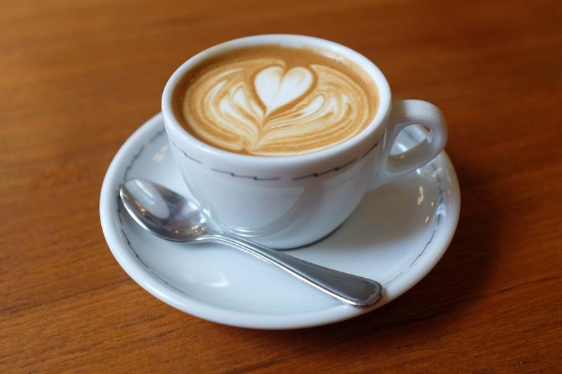cappuccino-va-cornetto-an-sang-kieu-y-2